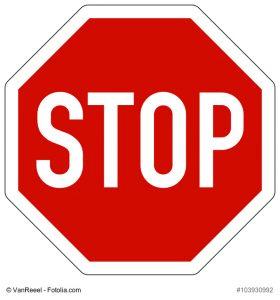 Stoppschild mit Aufschrift STOP