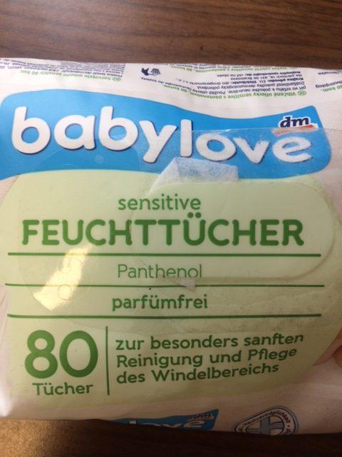 Feuchttücher-Packung mit falscher Verwendung des Wortes sensitiv